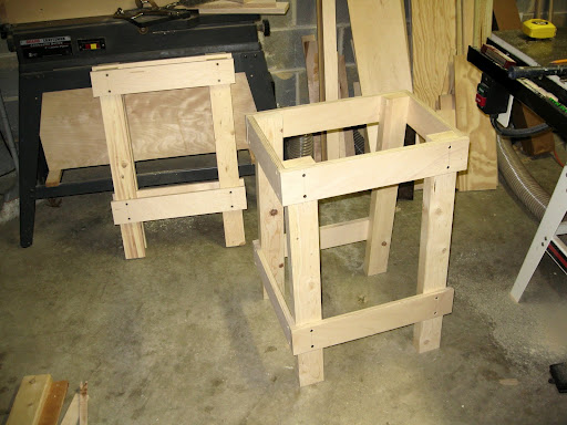building a sawhorse for cutting wood