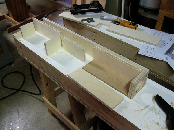 router table fence plans. the basic fence components - i have already attached dust port. router table plans