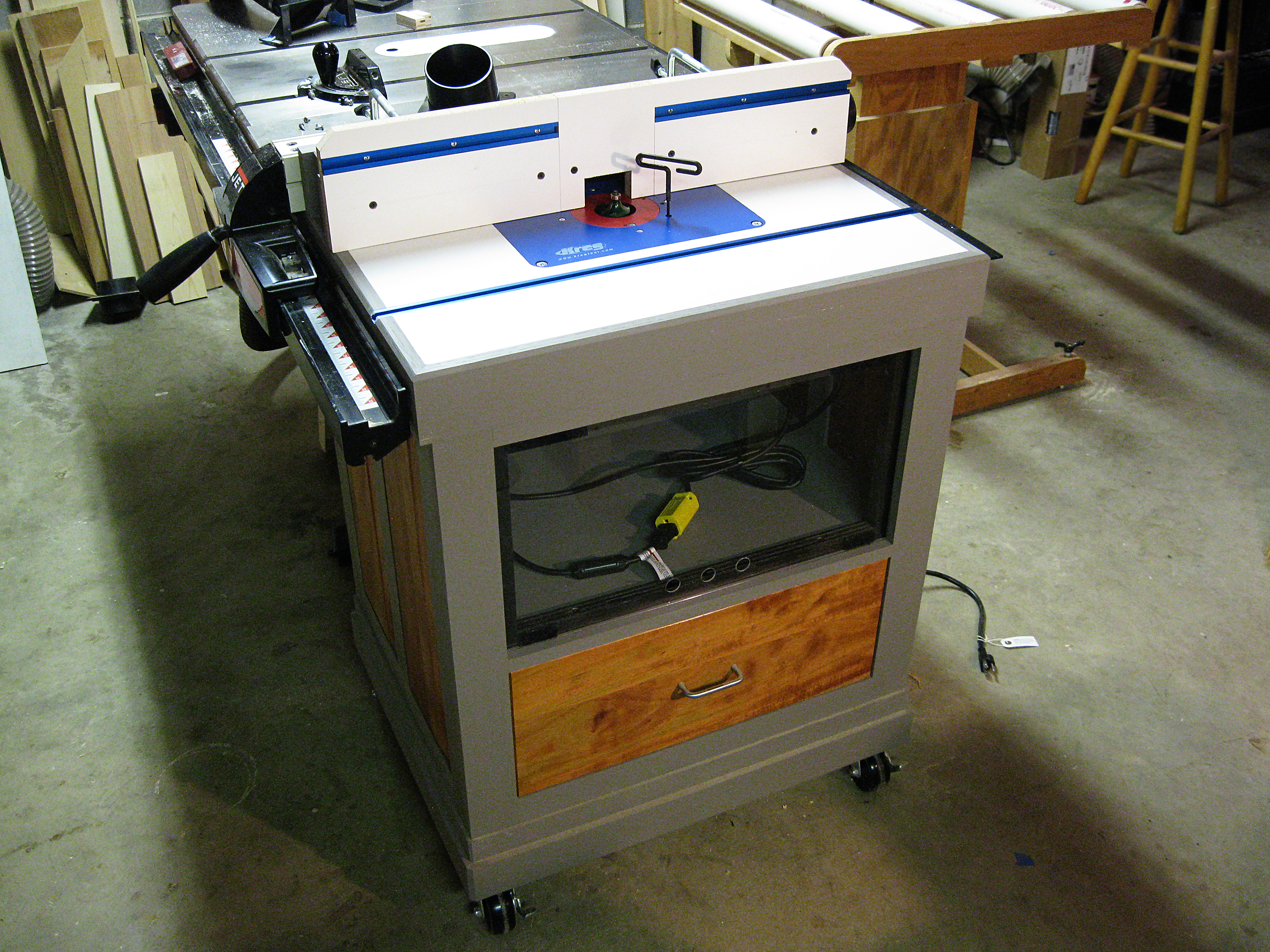 Woodwork cabinet making router table pdf plans cabinet making router table greentooth Image collections