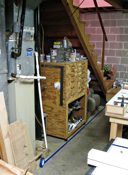 Note the lower storage area of my tool cabinet.