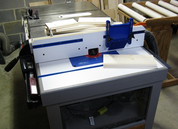 Router Table with Fence