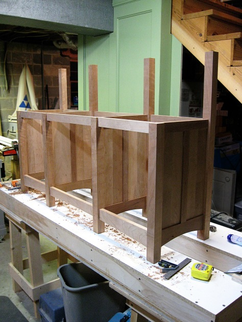 Finally, the basic shape of the bookcase.