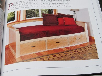 Daybed in maple and maple plywood.