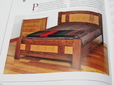Bed in walnut, alder and oak plywood.