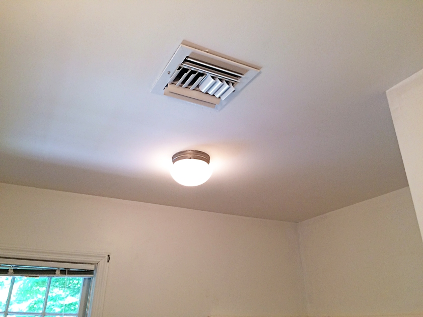 The completed, popcorn-free ceiling. :)